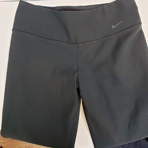Nike Dri-fit cropped Black leggings size Medium